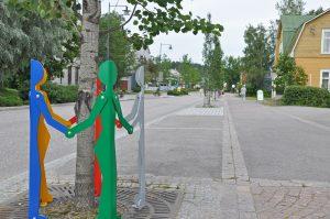 En gata och träd kring gatan.
