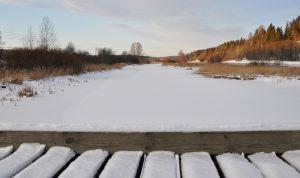 Sibbo å under vintertid. Snö och is.